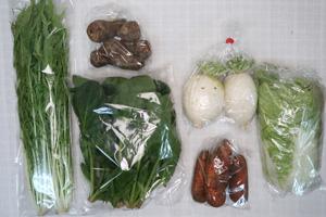 2月4日の無施肥無農薬栽培と自然栽培の定期宅配Sセット/大根、里芋、ニンジン、白菜、ほうれん草、水菜