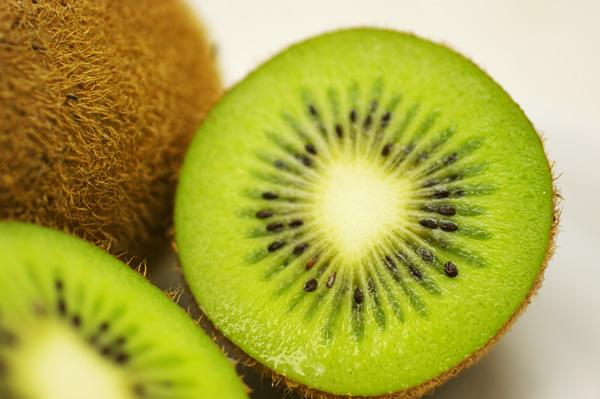 無肥料・自然栽培キウイフルーツ